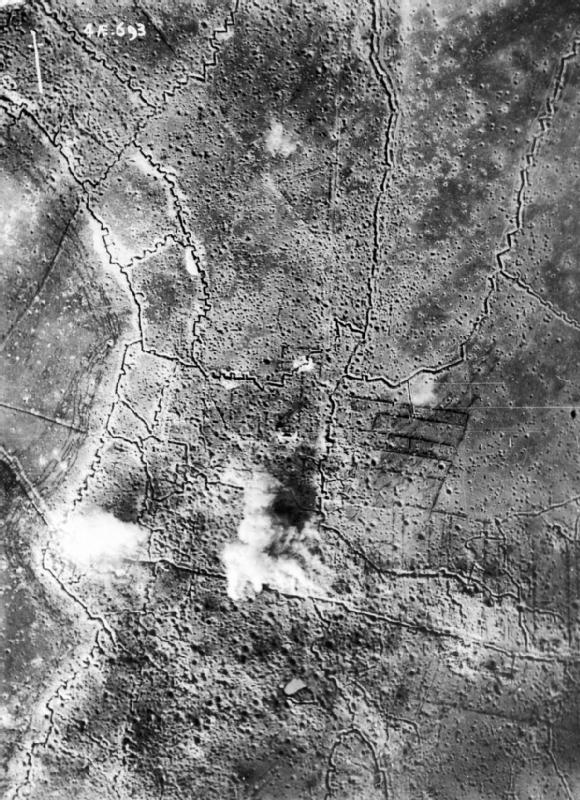 aerial_photograph_of_thiepval_bombardment_25-09-1916_iwm_q_63740