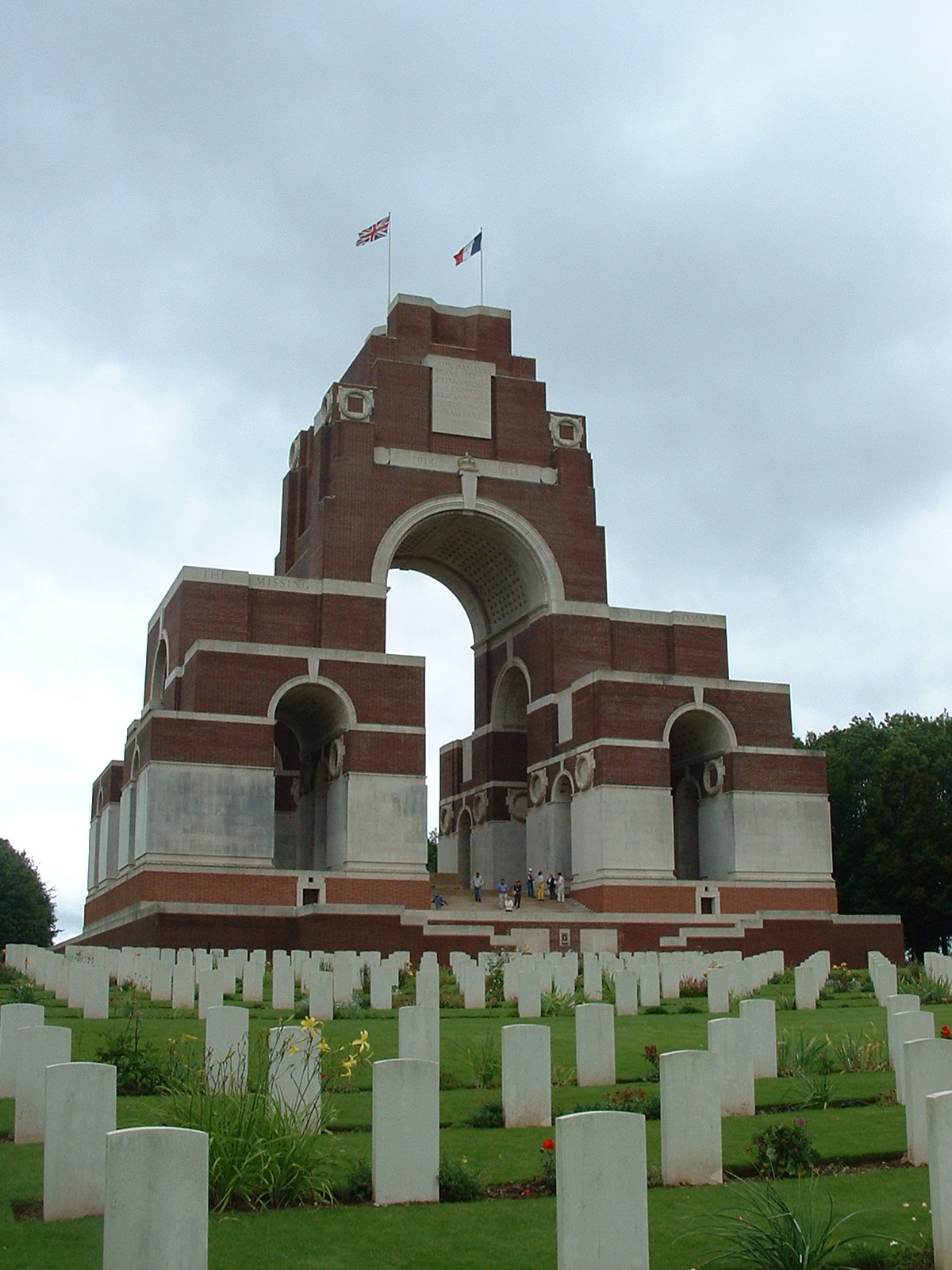 thiepval_memorial_to_the_missing